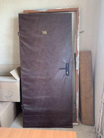 Дверь металлическая от застройщика, металл 2мм, 1900грн.