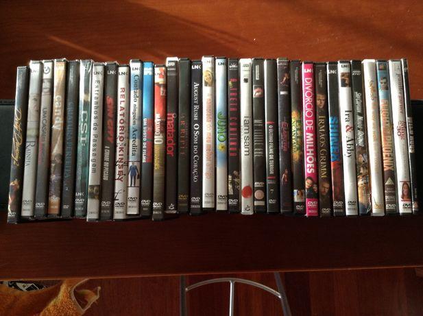 Vendo 30 filmes DVD's originais (não inclui infantis)
