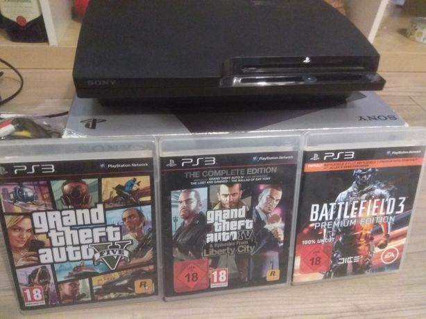 PS3 slim 250GB / 2 pady / GTA V