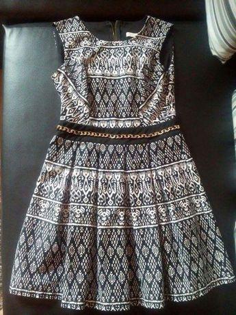 Sukienka w azteckie wzorki