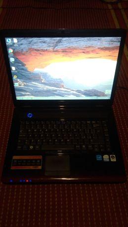 Ноутбук Самсунг у робочому стані