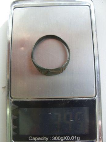 Перстень печатка 16-17 век бронза
