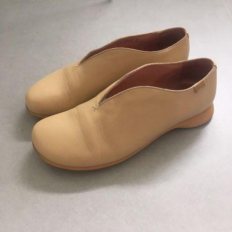 Sapatos Camper em óptimo estado (usados apenas duas vezes).