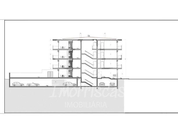 Apartamento T3 em Vialonga, em prédio novo com elevador