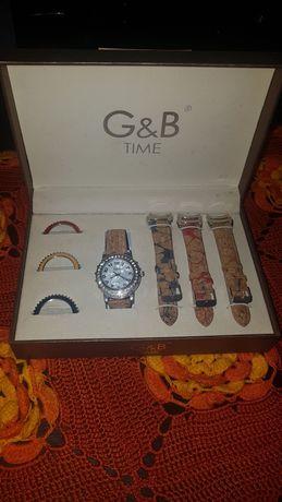 Vendo relógio com braceletes em cortiça