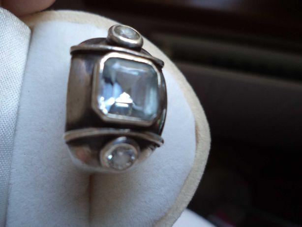 Piękny  pierścionek srebrny z akwamarynami ,r.14,5-15