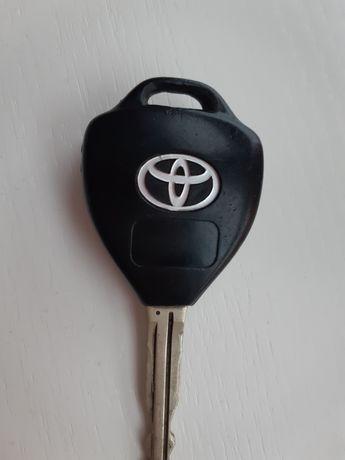 Корпус ключа Toyota camry