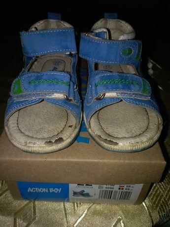 Oddam sandałki firmy Action Boy rozmiar 22