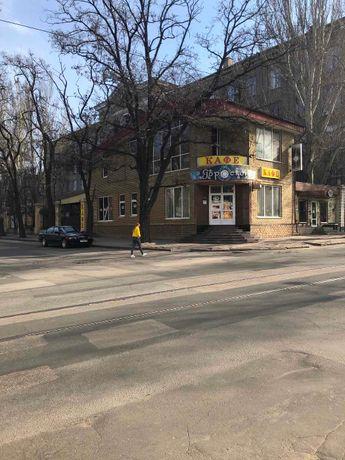 Продается действующее кафе в центре города, 250 м2