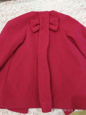 Продам осеннее пальто Zara на девочку