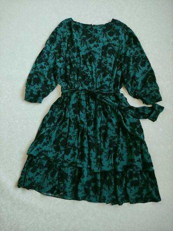 Распродажа!Ярусное зеленое платье в цветы под пояс