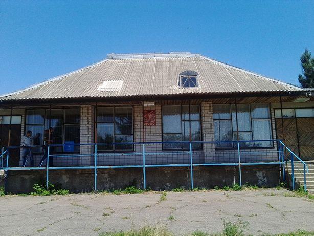 Продам магазин в Катеринополь (Криничанский район) - 313 кв.м.