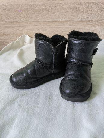Продам угги , ботинки на дівчинку девочку