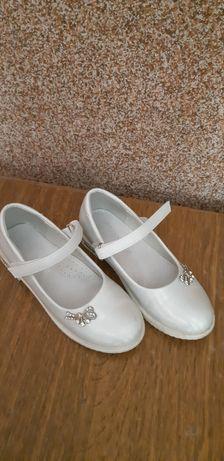 Туфельки на девочку 29размер