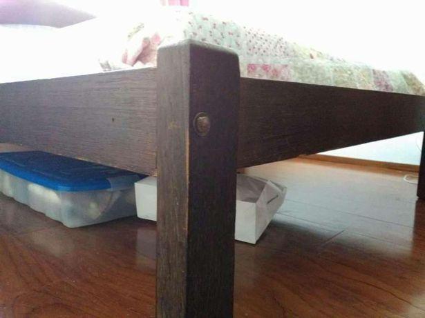 Cama rústica maciça vintage + 2 mesas cabeceira