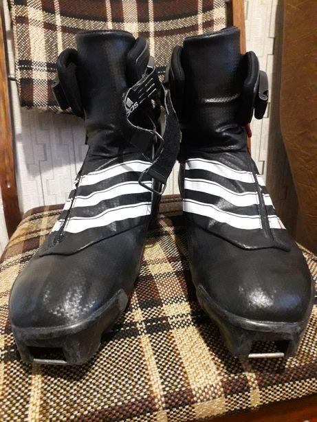 Лижні ботінки Adidas Лыжные ботинки
