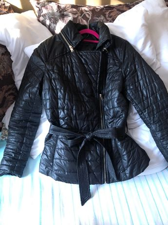 Куртка под пояс в отличном состоянии