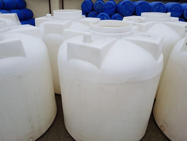 Sprzedam zbiorniki plastikowe ( polietylenowe 3000l. i 4000l.)
