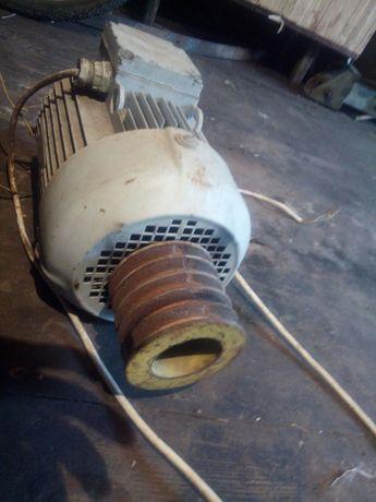 Електро мотор 2.2 кв, 1410 об.,марка ХЕЛС