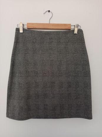 Ołówkowa spódnica 38