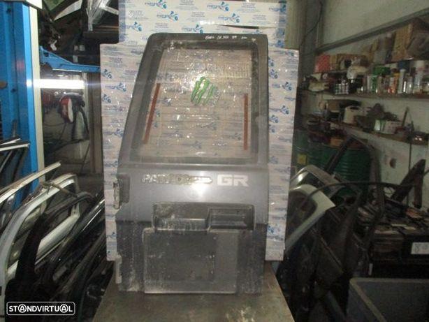 Porta da mala esq MALA707 NISSAN / PATROL GR Y60 / 1995 / 4P / PRETO /