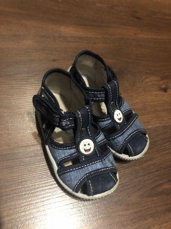 Тапочки , сандали