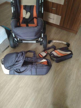 Wózek dla dziecka z akcesoriami