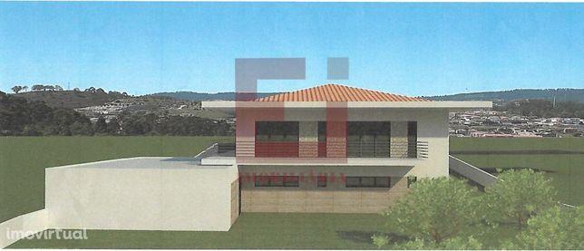 Terreno Em Arões S.Romão - Fafe Com Viabilidade De Construção - 980m2