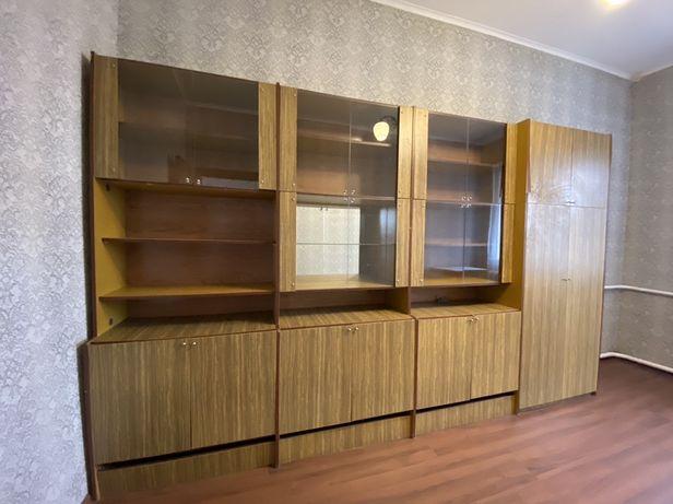 Мебельная стенка. Вместительная и в хорошем состоянии!