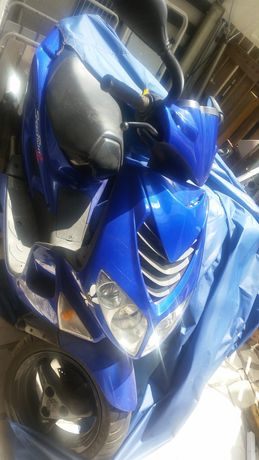 Scooter pegeut azul