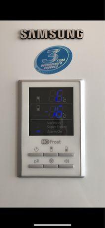 Продам холодильник  Двухкамерный SAMSUNG RL38ECSW