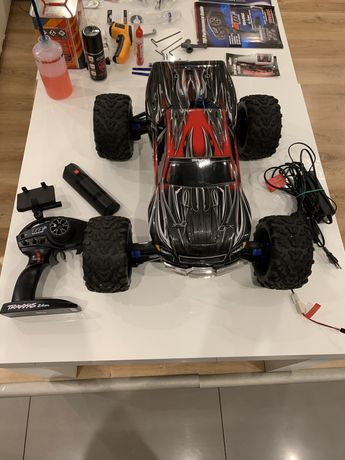 Traxxas revo 3.3 autko spalinowe