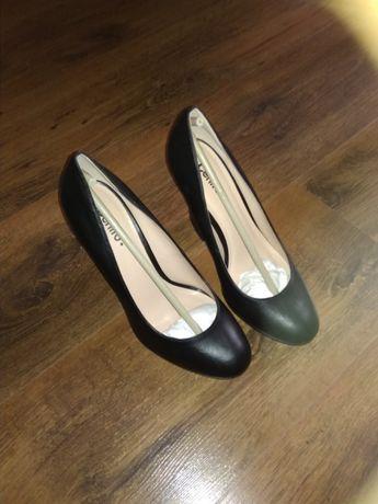 Buty czółenka czarne 38