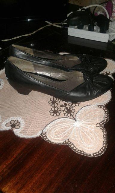 Продам кожаные туфли фирми GABOR состояние новых 38 р