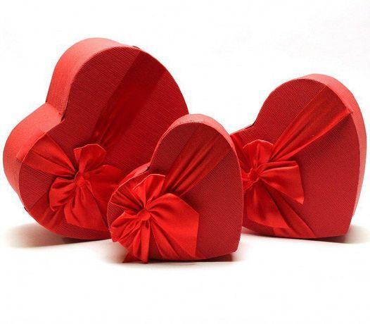 Подарочная коробка сердце сердечко и прямоугольные