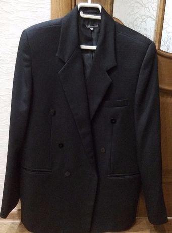 Продаю пиджак мужской б/у