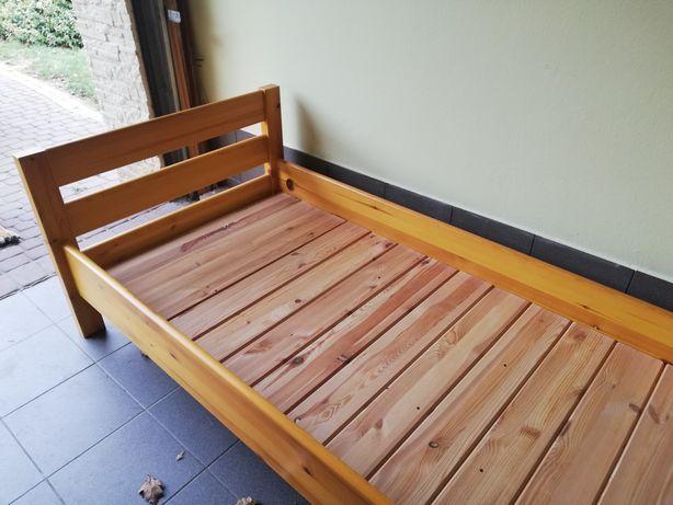 Łóżko młodzieżowe drewniane z materacem