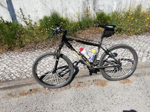 Bicicleta BH ()boa qualidade)