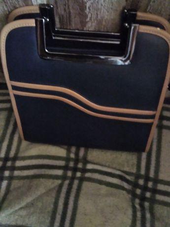Новая нарядная сумочка кожа