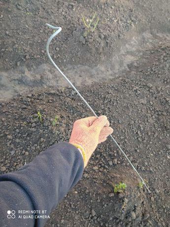 Пруток (колышек садовый) металлический для растений
