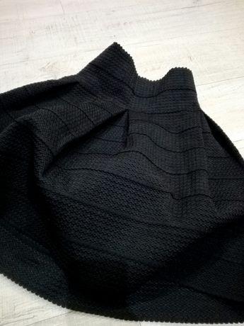 Spodniczka rozkloszowana S* H&M* czarna* sztywna