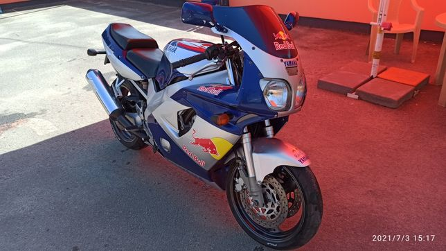 Yamaha fzr600 на полном ходу