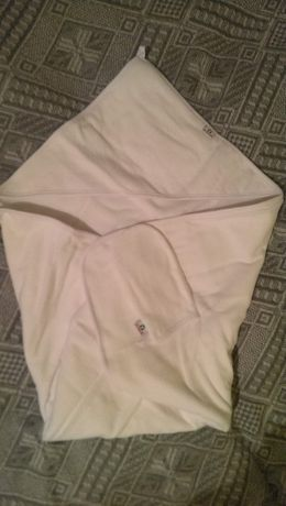 Ręcznik dziecięcy z kapturem i rękawicą bez palców biały