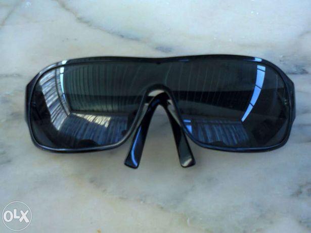 Vendo óculos de sol de senhora marca vogue originais como novos