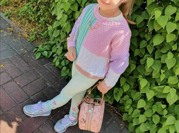 Swterek Paula Yascoolski boho frędzle pastelowy dla dziewczynki 92