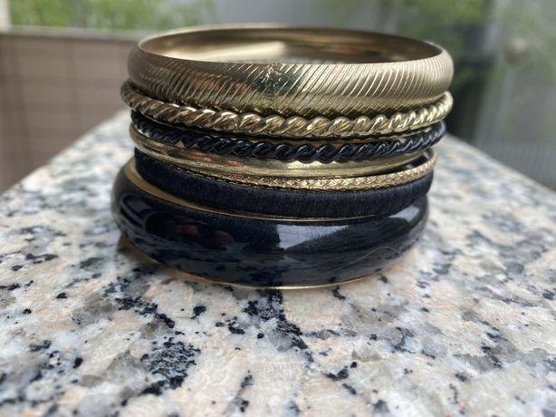Conjuntos de 8 pulseiras Usados