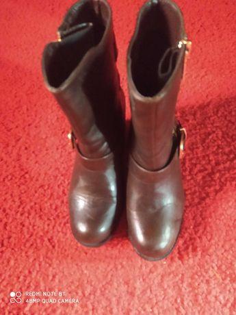 Крутые осенние ботинки 38-39