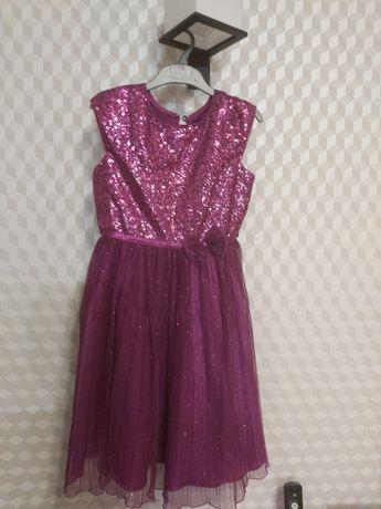 Нарядное новое платье для девочки