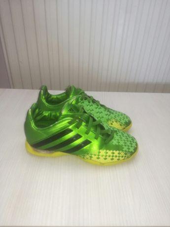 Buty do grania w piłkę nożną adidas r. 31,5