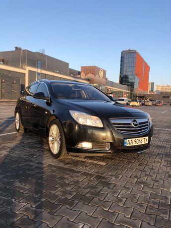 Opel Insignia 2013 2.0 tdi универсал
